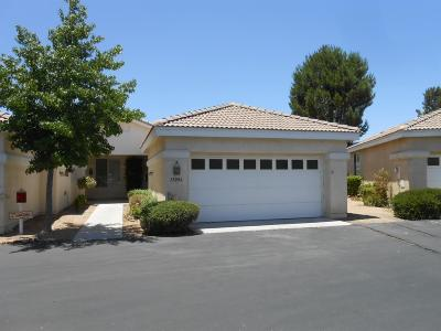 Apple Valley Condo/Townhouse For Sale: 11096 Sandy Lane