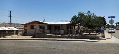Barstow Single Family Home For Sale: 201 E Fredricks Street