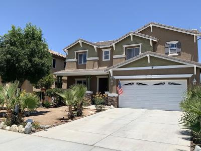 Oak Hills CA Single Family Home For Sale: $322,900