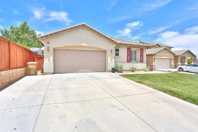 Oak Hills CA Single Family Home For Sale: $315,000