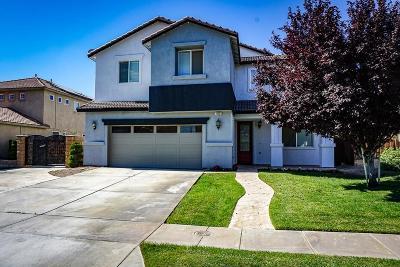 Oak Hills Single Family Home For Sale: 14531 Arthur Street