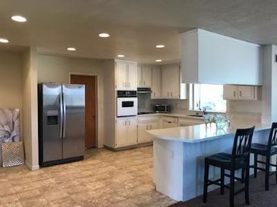 Apple Valley Single Family Home For Sale: 9933 Merino Avenue