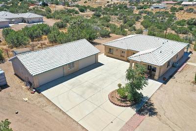 Oak Hills Single Family Home For Sale: 8235 Daisy Road