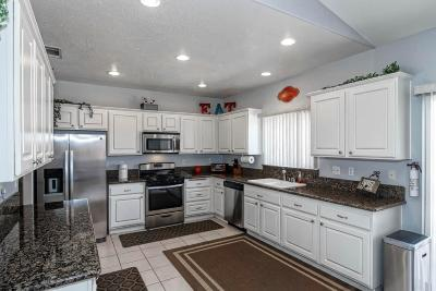 Apple Valley Single Family Home For Sale: 21220 Laguna Road