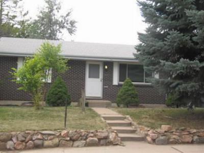 Single Family Home : 988 W 102nd Pl