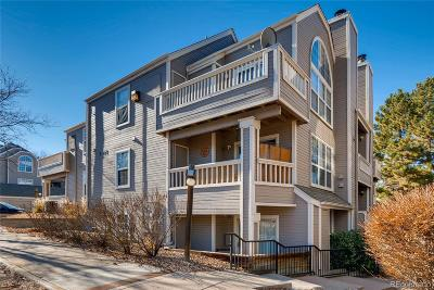 Lakewood Condo/Townhouse Active: 5715 West Atlantic Place #204