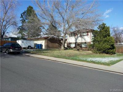 Lakewood CO Single Family Home Sold: $270,000