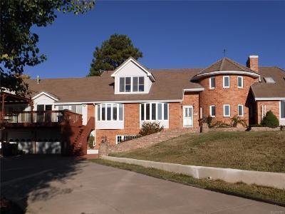Golden Single Family Home Active: 22081 Paradise Circle