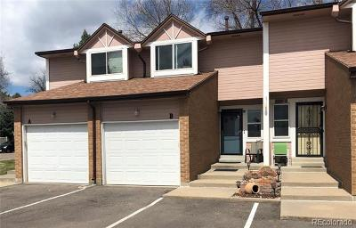Lakewood CO Condo/Townhouse Active: $324,000