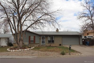 Lakewood CO Single Family Home Under Contract: $359,900
