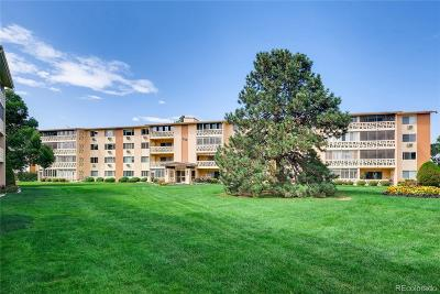 Denver Condo/Townhouse Active: 300 South Clinton Street #2B