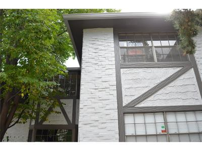 Condo/Townhouse Under Contract: 3521 South Hillcrest Drive #3