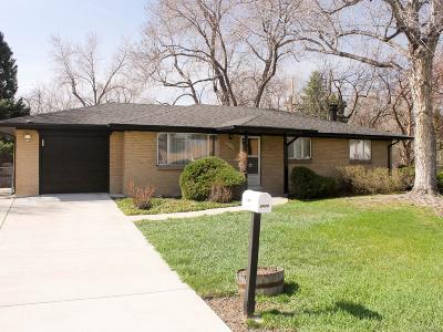 Lakewood CO Single Family Home Under Contract: $409,000