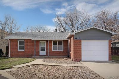 Longmont Single Family Home Active: 1977 Carr Court