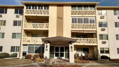Denver Condo/Townhouse Active: 300 South Clinton Street #4B