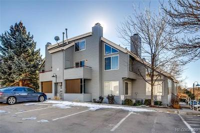 Condo/Townhouse Active: 8500 East Jefferson Avenue #16B