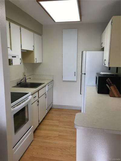 Denver Condo/Townhouse Active: 5770 East Warren Avenue #105