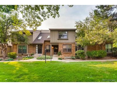 Centennial CO Condo/Townhouse Active: $425,000