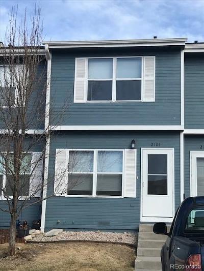 Castle Rock CO Condo/Townhouse Under Contract: $215,000