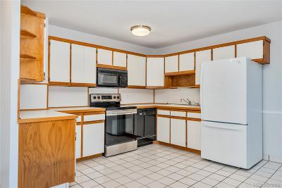 Denver Condo/Townhouse Active: 675 South Alton Way #9D