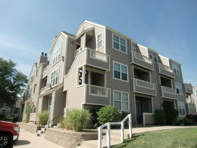 Lakewood CO Condo/Townhouse Active: $228,000