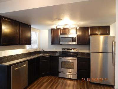 Aurora Condo/Townhouse Active: 922 South Dearborn Way #15