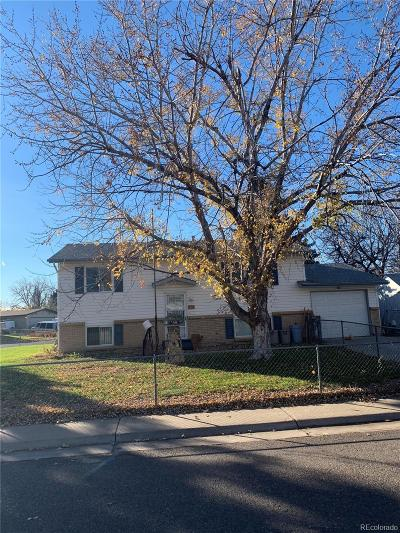 Aurora CO Single Family Home Active: $285,000