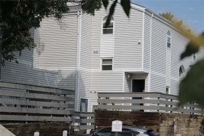 Aurora CO Condo/Townhouse Active: $167,500