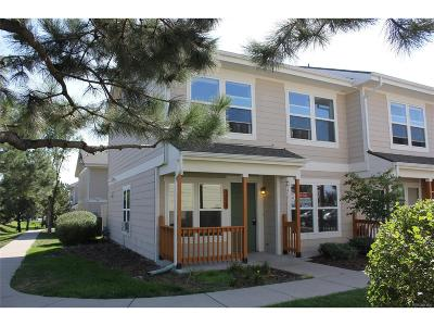 Lakewood CO Condo/Townhouse Active: $220,000