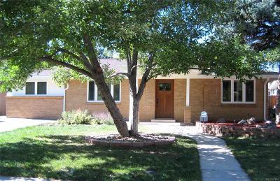 Single Family Home Active: 4629 Estes Street