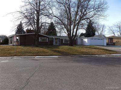 Lakewood Single Family Home Under Contract: 895 Holland Street