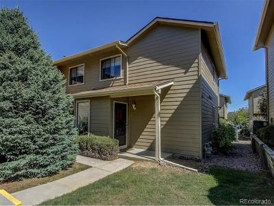 Aurora CO Condo/Townhouse Active: $279,900