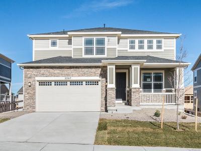 Aurora CO Single Family Home Active: $568,065