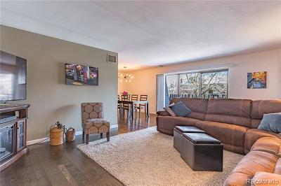 Denver Condo/Townhouse Active: 460 South Marion Parkway #251