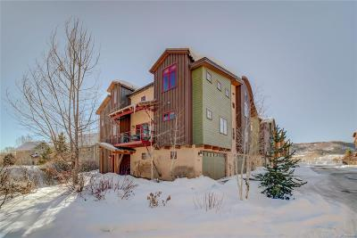 Condo/Townhouse Under Contract: 889 Majestic Circle