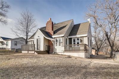 Lakewood Single Family Home Under Contract: 925 Van Gordon Street