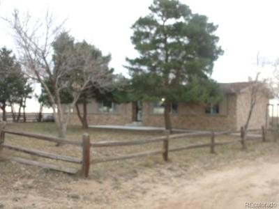Fort Lupton Single Family Home Active: 15511 County Road 6