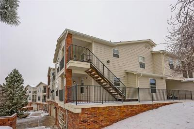 Lakewood CO Condo/Townhouse Active: $250,000