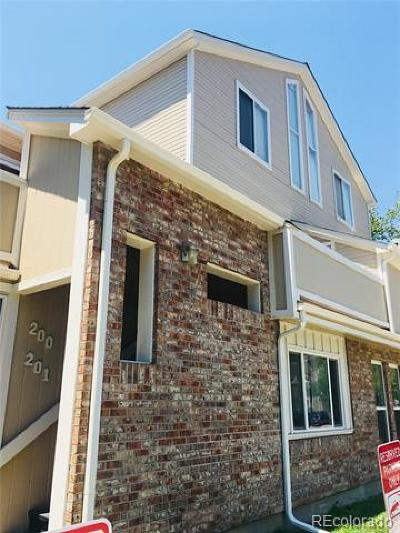Wheat Ridge CO Condo/Townhouse Active: $240,000