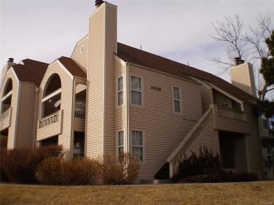 Lakewood CO Condo/Townhouse Active: $185,000