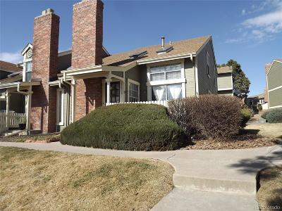 Arapahoe County Condo/Townhouse Active: 2071 South Hannibal Way #D