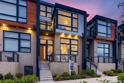 Condo/Townhouse Active: 6739 East Lowry Boulevard