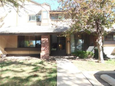 Lakewood CO Condo/Townhouse Active: $285,000