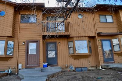 Longmont Condo/Townhouse Active: 305 Quebec Avenue