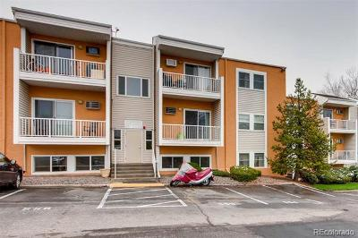 Golden Condo/Townhouse Active: 451 Golden Circle #110