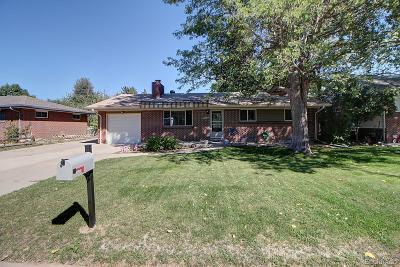 Arvada Single Family Home Active: 8426 Sheridan Court