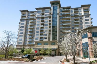 Greenwood Village Condo/Townhouse Active: 5455 Landmark Place #404