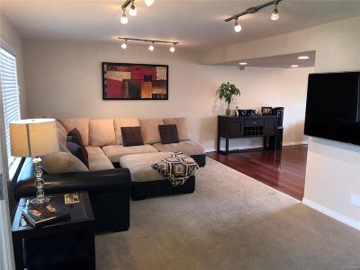 Lakewood CO Condo/Townhouse Active: $389,000