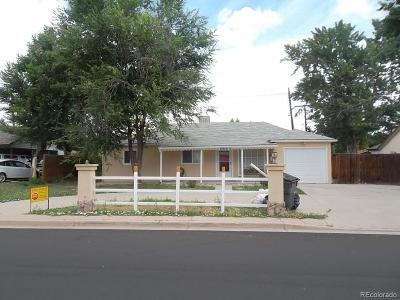 Aurora CO Single Family Home Active: $275,000