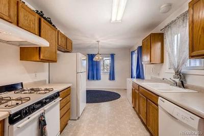 Denver Single Family Home Active: 14490 East Elk Drive